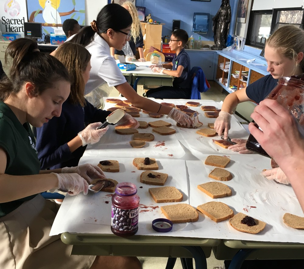 8th Graders Find Meaning in Service to the Hungry
